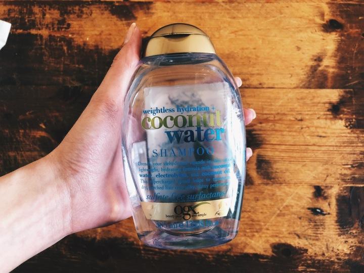 Product Review: OGX шампоан за суха коса с кокосовавода