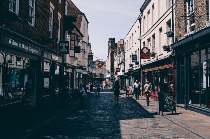 Кентърбъри: приказно пътуване в историята наАнглия